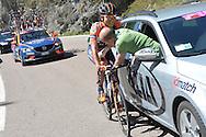 39° Giro del Trentino Melinda, 2 tappa Dro-Brentonico,il medico Michele Motter in azione, 22 Aaprile 2015  © foto Daniele Mosna