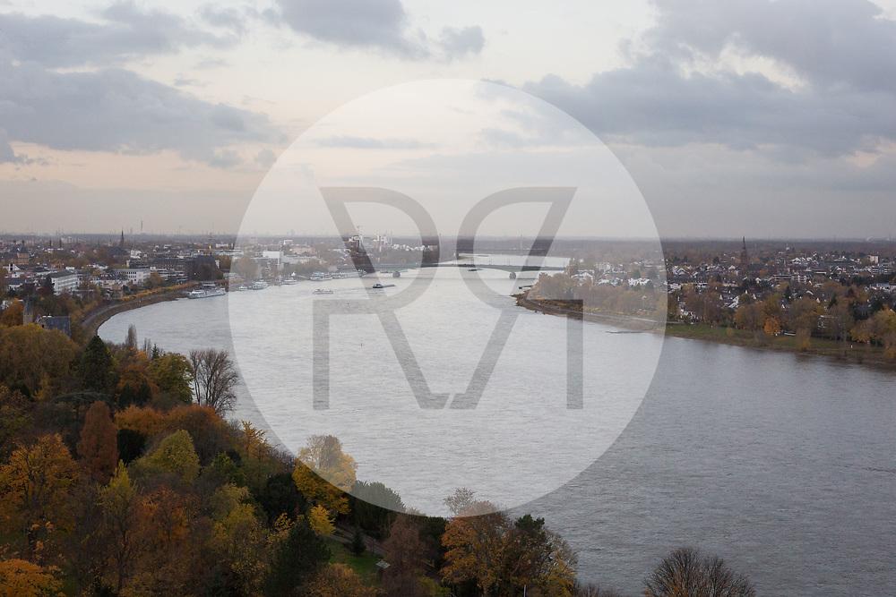 DEUTSCHLAND - BONN - Blick über den Rhein und die Stadt, auf der Klimakonferenz COP 23 Fiji in Bonn - 13. November 2017 © Raphael Hünerfauth - http://huenerfauth.ch