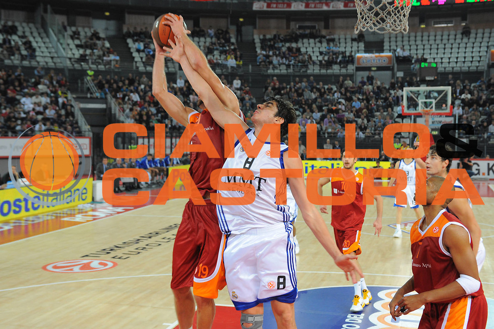 DESCRIZIONE : Roma Eurolega 2010-11 Lottomatica Virtus Roma Real Madrid<br /> GIOCATORE : Carlos Suarez<br /> SQUADRA : Euroleague<br /> EVENTO : Eurolega 2010-2011<br /> GARA :  Lottamtica Virtus Roma Real Madrid<br /> DATA : 04/11/2010<br /> CATEGORIA : Tiro<br /> SPORT : Pallacanestro <br /> AUTORE : Agenzia Ciamillo-Castoria/GiulioCiamillo<br /> Galleria : Eurolega 2010-2011<br /> Fotonotizia : Roma Eurolega Euroleague 2010-11 Lottomatica Virtus Roma Real Madrid<br /> Predefinita :