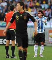 FOOTBALL - FIFA WORLD CUP 2010 - 1/4 FINAL - ARGENTINA v GERMANY - 3/07/2010 - CARLOS TEVEZ (ARG)<br /> PHOTO FRANCK FAUGERE / DPPI