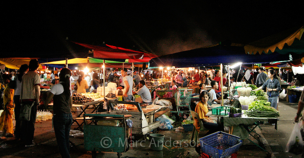 Night food market in Kota Kinabalu, Sabah, Malaysia..