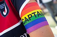 DEN HAAG - Aanvoerders met een regenboog-aanvoerdersband in de kleuren  regenboogvlag , Coming Out Day. hoofdklasse competitie dames. HDM-HUIZEN. COPYRIGHT KOEN SUYK