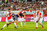 NOVI SAD - 18-08-2016, Vojvodina - AZ, Karadjordje Stadion, AZ speler Stijn Wuytens scoort hier de 0-1, doelpunt, Vojvodina speler Kovacevic Vladimir.