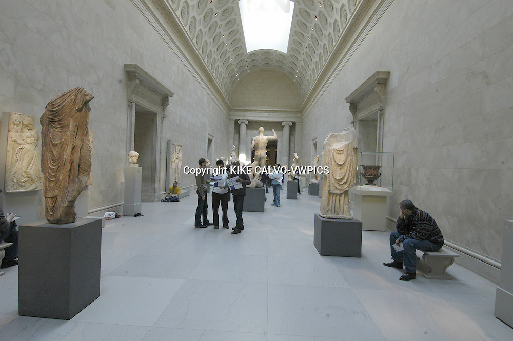 The Metropolitan Museum of Art.Manhattan, New York City, United States.© KIKE CALVO.( culture, landmark, education, international, collection, paintings, sculpture, sculptures, egyptian, roman, decorative, european, africa, america, oceania, arms, armors, greek, modern, contemporary, temple, Egypt, room, B1276