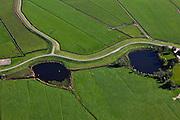 Nederland, Overijssel, Gemeente Zwartewaterland , 03-10-2010; Polder Mastenbroek, ten zuidoosten van Genemuiden. De kolken bij de Mastenbroekerdijk zijn ontstaan door dijkdoorbraken.  .Polder Mastenbroek, southeast of Genemuiden. The pools in the Mastenbroek dike are created by dike breaches..luchtfoto (toeslag), aerial photo (additional fee required).foto/photo Siebe Swart