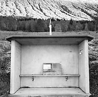 Et tradisjonelt norsk busskur i betong.<br /> Foto: Svein Ove Ekornesv&aring;g