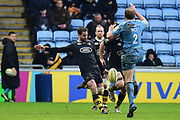 London Irish hooker David Paice (2) toys to charge down Wasps fly half Danny Cipriani  (10) kick during the Aviva Premiership match between Wasps and London Irish at the Ricoh Arena, Coventry, England on 4 March 2018. Picture by Dennis Goodwin.