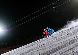 05.02.2018, Lechnerberg, Kaprun, AUT, Nacht der Ballone, im Bild Vorführung der Skischul Lehrer // Demonstration of the ski school teachers during the International Balloonalps Week, Lechnerberg, Kaprun, Austria on 2018/02/05. EXPA Pictures © 2018, PhotoCredit: EXPA/ JFK