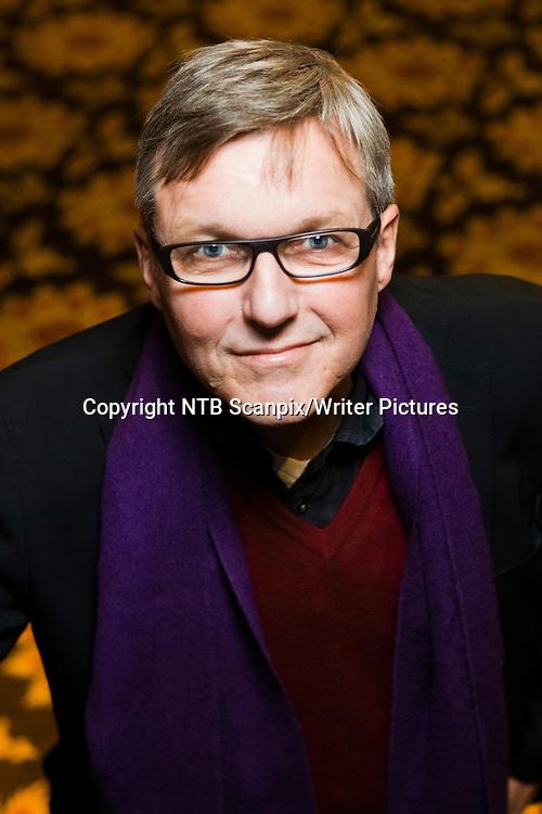 OSLO  20110201.<br /> Forfatter og TV2-profil Jan Ove Ekeberg har skrevet &quot;I sverdets tid&quot;, en historisk spenningsroman der handlingen er lagt til norsk middelalder.<br /> Foto: Berit Roald / Scanpix<br /> <br /> NTB Scanpix/Writer Pictures<br /> <br /> WORLD RIGHTS, DIRECT SALES ONLY, NO AGENCY