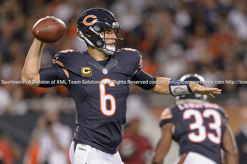 19 September 2016: Chicago Bears Quarterback Jay Cutler (6) [7816] during an NFL football game between the Philadelphia Eagles and the Chicago Bears at Solider Field in Chicago, IL. The Philadelphia Eagles won 29-14. (Photo by Daniel Bartel/Icon Sportswire)