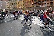 Roma 28 Maggio 2008..Critical Mass 2008..Coincidenza organizzata di ciclismo critico urbano.Rome May 28, 2008..Critical Mass 2008.Organized coincidence of critical urban cycling..