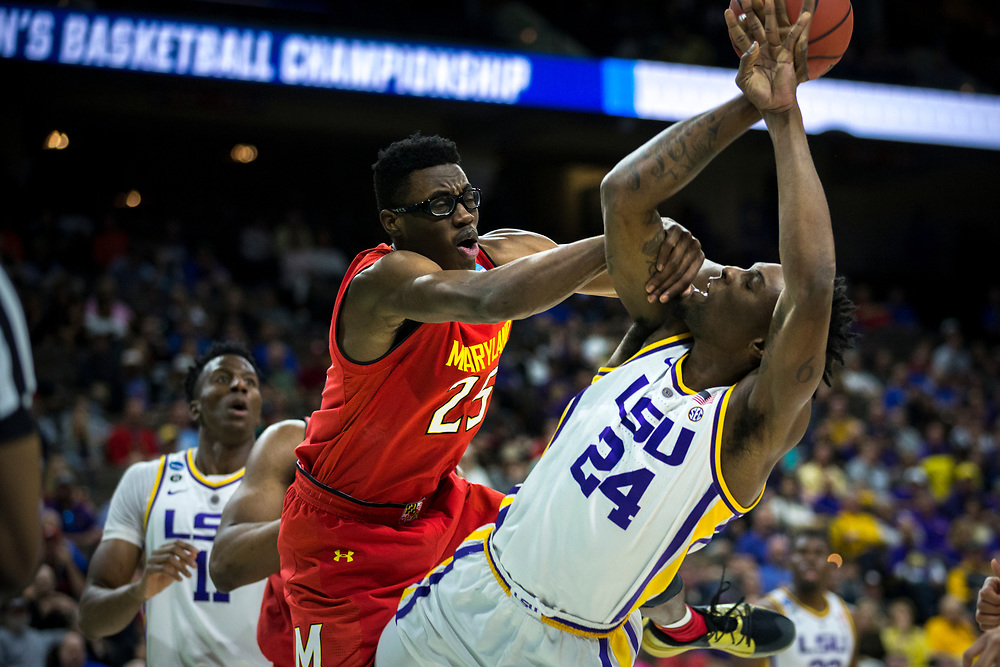 during the first half of the second round men's college basketball game in the NCAA Tournament, in Jacksonville, Fla. Saturday, March 23, 2019. (AP Photo/Stephen B. Morton)
