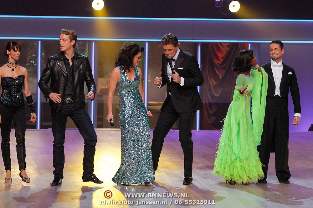 NLD/Hilversum/20121014 - Finale Strictly Come Dancing 2012, Mark van Eeuwen en danspartner Jessica Maybury, Kim Lian van der Meij, Reinout Oerlemans, Silvana Simons en danspartner Aerjan Mooijweer