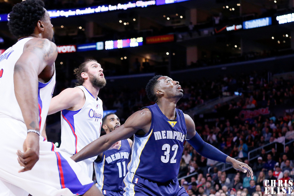 23 February 2015: Memphis Grizzlies forward Jeff Green (32) vies for the rebound with Los Angeles Clippers forward Spencer Hawes (10) during the Memphis Grizzlies 90-87 victory over the Los Angeles Clippers, at the Staples Center, Los Angeles, California, USA.