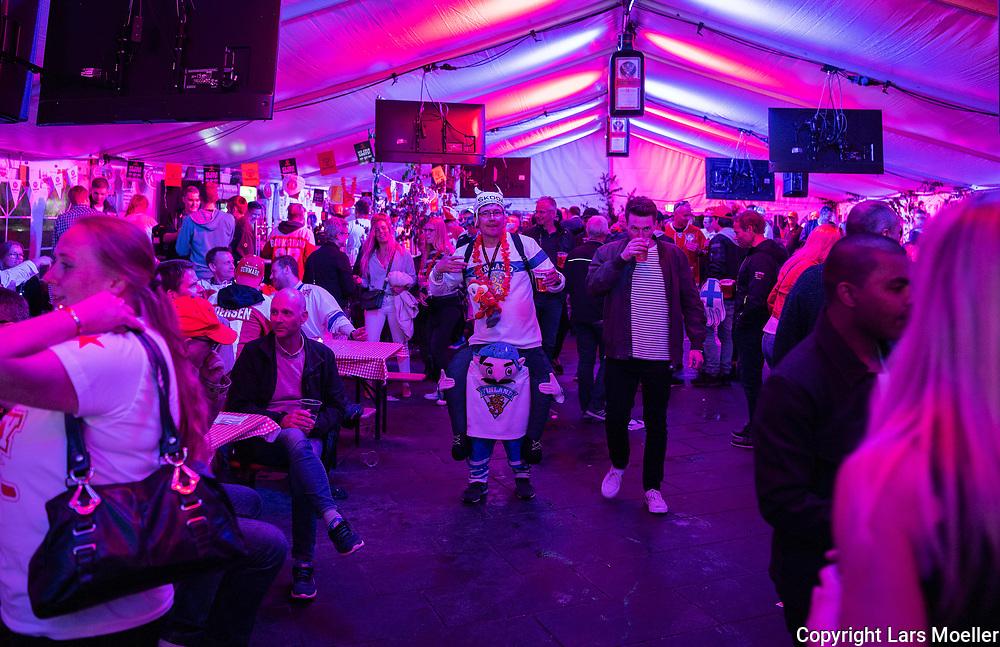 DK caption:<br /> 20180511, Herning, Danmark.<br /> IIHF Verdensmesterskabet i Ishockey. <br /> Gruppe B: Danmark-Norge. Ishockeyfans fester i Herning efter Danmarks kamp mod Norge<br /> Foto: Lars M&oslash;ller<br /> UK Caption:<br /> 20180511, Herning, Denmark.<br /> IIHF Ice Hockey World Championship. <br /> Group B: Denmark-Norway<br /> Photo: Lars Moeller
