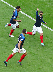 June 30, 2018 - Kazan, Russie - Soccer Football - World Cup - Round of 16 - France vs Argentina - Kazan Arena, Kazan, Russia - June 30, 2018  France's Antoine Griezmann celebrates scoring their first goal with Olivier Giroud and Raphael Varane (Credit Image: © Panoramic via ZUMA Press)