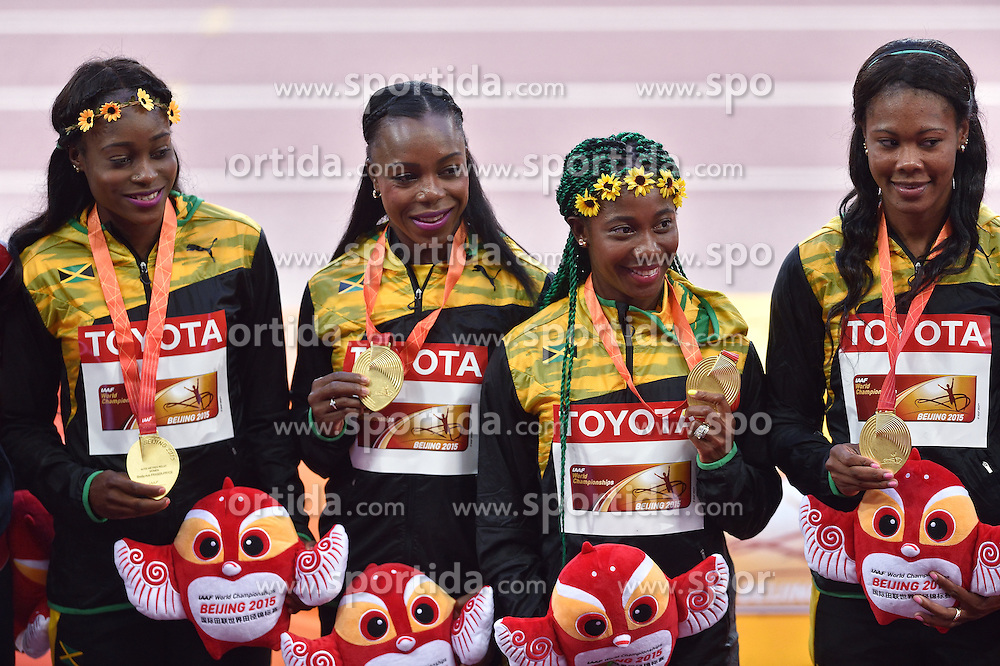 30-08-2015 CHN: IAAF World Championships Athletics day 9, Beijing<br /> 400 m relay  met Veronica CAMPBELL-BROWN, Natasha MORRISON, Elaine THOMPSON, Shelly-Ann FRASER-PRYCE JAM<br /> Photo by Ronald Hoogendoorn / Sportida