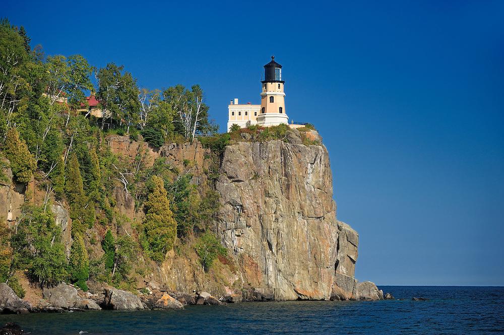 Lighthouse on cliff over Lake Superior, Split Rock Lighthouse State Park, North Shore, Minnesota, USA