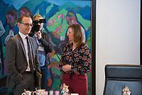 DEU, Deutschland, Germany, Berlin,31.01.2018: Bundesjustizminister Heiko Maas (SPD) und die stv. Regierungssprecherin Ulrike Demmer vor Beginn der 169. Kabinettsitzung im Bundeskanzleramt.