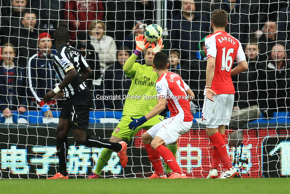21 March 2015 - Barclays Premier League - Newcastle United v Arsenal - David Ospina of Arsenal makes a save at point blank range - Photo: Marc Atkins / Offside.