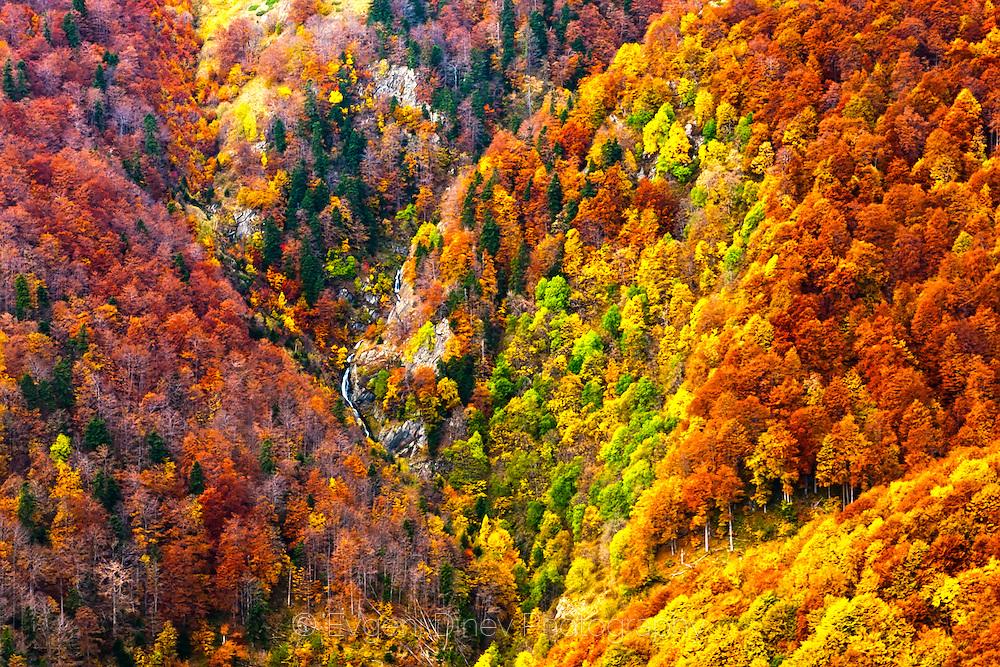 River crossing down through the mountain ridge