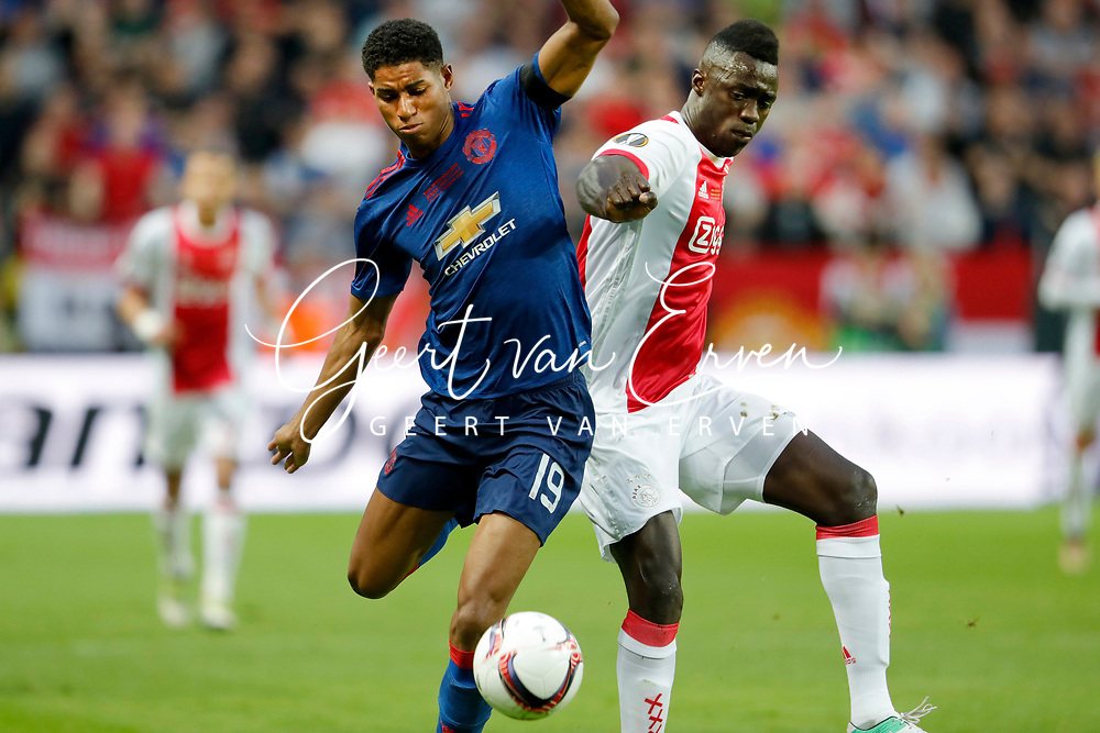 24-05-2017 VOETBAL:AJAX - MANCHESTER UNITED:FINALE:STOCKHOLM<br /> <br /> Davinson Sanchez van Ajax in duel met Marcus Rashford van Manchester United <br /> <br /> Foto: Geert van Erven