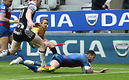 Scott Grix (R) of Wakefield Trinity  scores his 2nd try of the match against Widnes Vikings during the Betfred Super League match at the Dacia Magic Weekend at St. James's Park, Newcastle<br /> Picture by Stephen Gaunt/Focus Images Ltd +447904 833202<br /> 20/05/2017