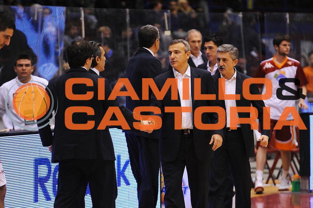 DESCRIZIONE : Milano Lega A 2011-12 EA7 Emporio Armani Milano Acea Roma<br /> GIOCATORE : Coach Lino Lardo<br /> CATEGORIA : Ritratto<br /> SQUADRA : Acea Roma<br /> EVENTO : Campionato Lega A 2011-2012<br /> GARA : EA7 Emporio Armani Milano Acea Roma<br /> DATA : 03/01/2012<br /> SPORT : Pallacanestro<br /> AUTORE : Agenzia Ciamillo-Castoria/A.Dealberto<br /> Galleria : Lega Basket A 2011-2012<br /> Fotonotizia : Milano Lega A 2011-12 EA7 Emporio Armani Milano Acea Roma<br /> Predefinita :
