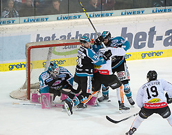 08.01.2016, Keine Sorgen Eisarena, Linz, AUT, EBEL, EHC Liwest Black Wings Linz vs Dornbirner Eishockey Club, 41. Runde, im Bild Martin Grabher-Meier (Dornbirner Eishockey Club) vor Tormann Michael Ouzas (EHC Liwest Black Wings Linz) // during the Erste Bank Icehockey League 41st round match between EHC Liwest Black Wings Linz and Dornbirner Eishockey Club at the Keine Sorgen Icearena, Linz, Austria on 2016/01/08. EXPA Pictures © 2016, PhotoCredit: EXPA/ Reinhard Eisenbauer