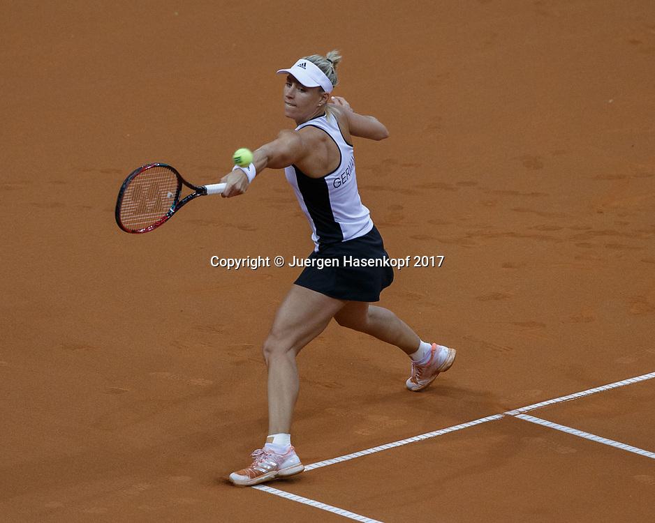 GER-UKR, Deutschland - Ukraine, <br /> Porsche Arena, Stuttgart, internationales ITF  Damen Tennis Turnier, Mannschafts Wettbewerb,<br /> ANGELIQUE KERBER (GER)