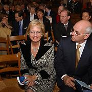 Mattheus Passion 2004 Naarden, Minister voor Ontwikkelingssamenwerking Agnes van Ardenne en haar man
