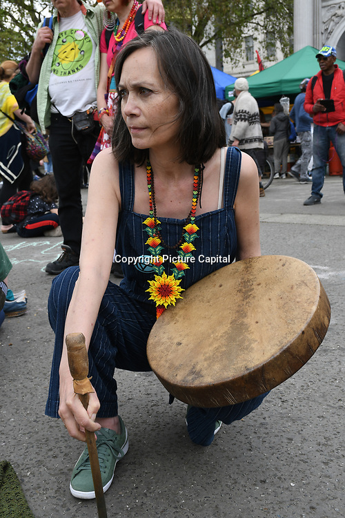 Day 10 -  The Healing Pathways open a ceremony pray to the heaven & earth for nature and peace and to the Sri Lanka attacks at Extinction Rebellion and a few arrested at Marble Arch, London, UK