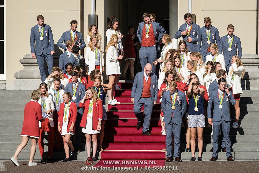 NLD/Den Haag/20160824 - Huldiging sporters Rio 2016, Maurits Hendriks alleen op de trap