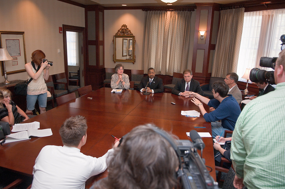 "McDavis to share budget news, plans for academic priorities.Address to be held at noon Monday.May 3, 2007..Ohio University President Roderick J. McDavis will share how the latest budget news from Columbus could benefit Ohio University and will announce new plans regarding the university's academic priorities during an address to the campus at noon Monday, May 7, in Baker University Center Ballroom B...""Governor Strickland has focused policymakers on the urgent need to support higher education in Ohio, and House Speaker Husted has introduced a very positive budget bill,"" McDavis said. ""I am encouraged by these developments, and I want to talk with the campus about what this means for the university and how we will invest any additional new resources from the state.""..McDavis said he also will talk about some changes he will introduce to strengthen Ohio's educational programs...""I am excited about these new plans regarding the university's academic priorities, and I look forward to sharing them with faculty, staff and students on Monday,"" he said. ""Ohio University has a proud history of academic excellence. I am inviting the campus community to join me in working together long-term to advance that excellence.""..McDavis' address can be viewed through a live Webcast available from the university's front door at www.ohio.edu...The news media is invited to attend a media briefing immediately after the speech in the president's dining room on the fourth floor of Baker University Center."