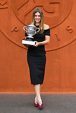 Simona Halep Poses With Trophy - 10 June 2018