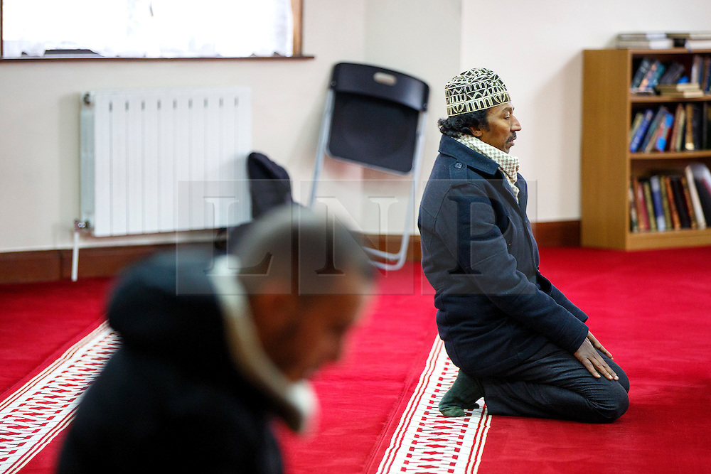 © Licensed to London News Pictures. 05/02/2017. London, UK. People pray during an open day at Finsbury Park Mosque in North London.  On Visit My Mosque Day over 150 mosques around the UK open their doors to the public, offering a better understanding of religion in effort to counter rising Islamophobia.  Photo credit: Tolga Akmen/LNP