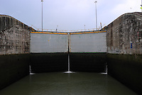Panama Canal Lock. Image Taken with a Leica X1 (ISO 100, 24 mm, f/4.5, 1/200 sec).