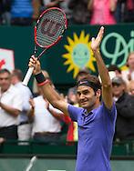 Roger Federer (SUI)  jubelt nach seinem Sieg, Endspiel, Final, <br /> <br /> <br /> Tennis - Gerry Weber Open - ATP 500 -  Gerry Weber Stadion - Halle / Westf. - Nordrhein Westfalen - Germany  - 21 June 2015. <br /> &copy; Juergen Hasenkopf