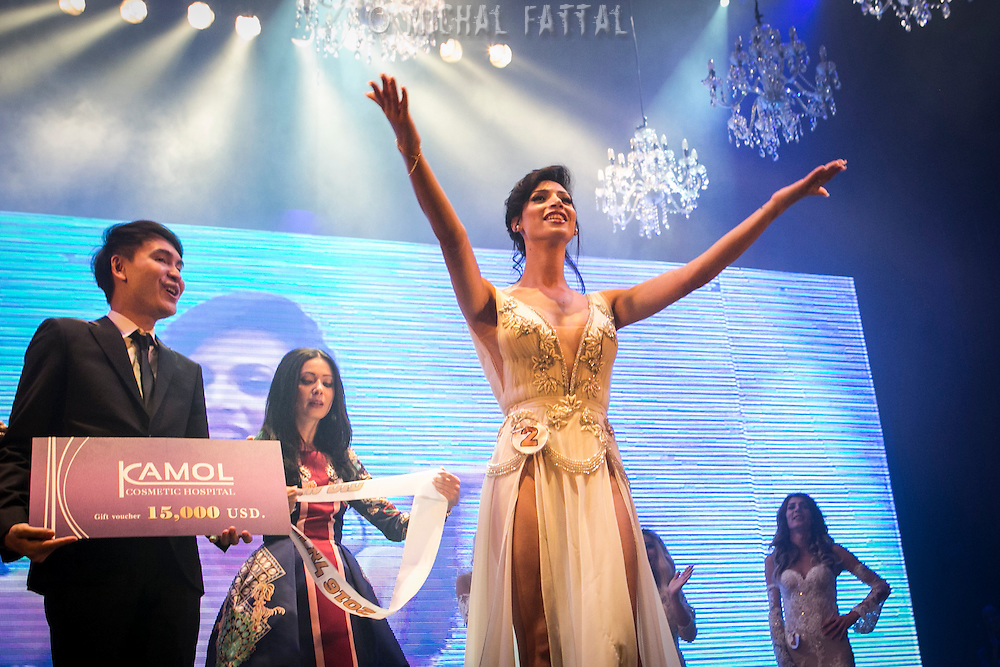 Ta'alin Abu Hana wins the Miss Trans Israel pageant, Tel Aviv. May 27, 2016. Photo by Michal Fattal