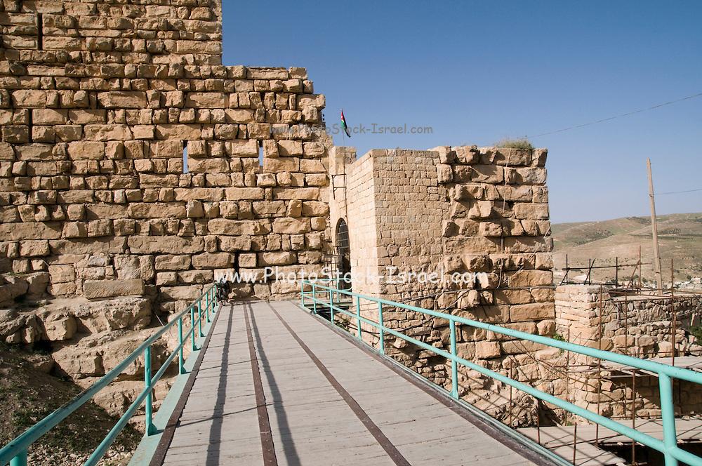 Middle East, Hashemite Kingdom of Jordan, Karak Governorate, the city of Al Karak in centre Jordan. The Karak Crusader Castle built in 1140 Raynald of Chatillon gained possession of Kerak in 1176 The bridge and main entrance