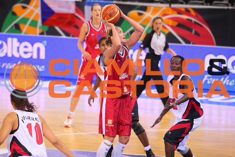 DESCRIZIONE : Madrid 2008 Fiba Olympic Qualifying Tournament For Women Angola Czech Republic <br /> GIOCATORE : Ivana Vecerova <br /> SQUADRA : Czech Republic Repubblica Ceca <br /> EVENTO : 2008 Fiba Olympic Qualifying Tournament For Women <br /> GARA : Angola Czech Republic Angola Repubblica Ceca <br /> DATA : 11/06/2008 <br /> CATEGORIA : Tiro <br /> SPORT : Pallacanestro <br /> AUTORE : Agenzia Ciamillo-Castoria/S.Silvestri <br /> Galleria : 2008 Fiba Olympic Qualifying Tournament For Women <br /> Fotonotizia : Madrid 2008 Fiba Olympic Qualifying Tournament For Women Angola Czech Republic <br /> Predefinita :