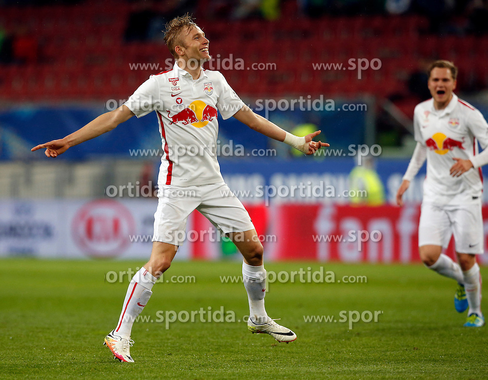 19.05.2016, Woerthersee Stadion, Klagenfurt, AUT, OeFB Samsung Cup, FC Admira Wacker Moedling vs FC Red Bull Salzburg, Finale, im Bild Jubel von Konrad Laimer (FC Red Bull Salzburg). // during the OeFB Samsung Cup final match between FK Austria Wien and FC Red Bull Salzburg at the Woerthersee Stadion in Klagenfurt, Austria on 2016/05/19. EXPA Pictures © 2016, PhotoCredit: EXPA/ Wolfgang Jannach