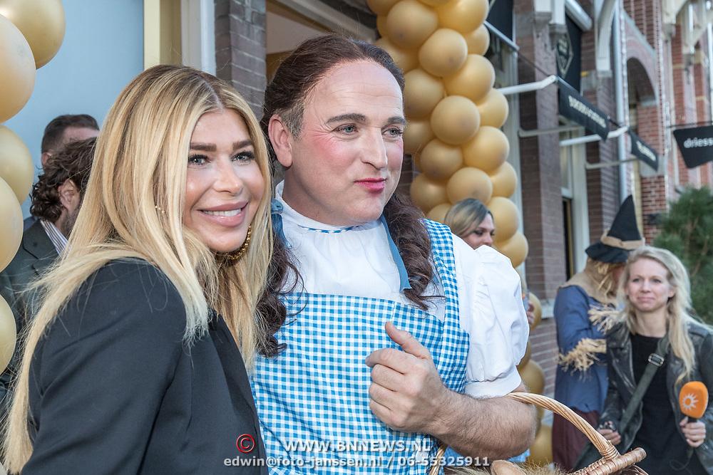 NLD/Amsterdam/20190401 -  Opening Burgerroom Gordon , Estelle Cruijff en Gordon