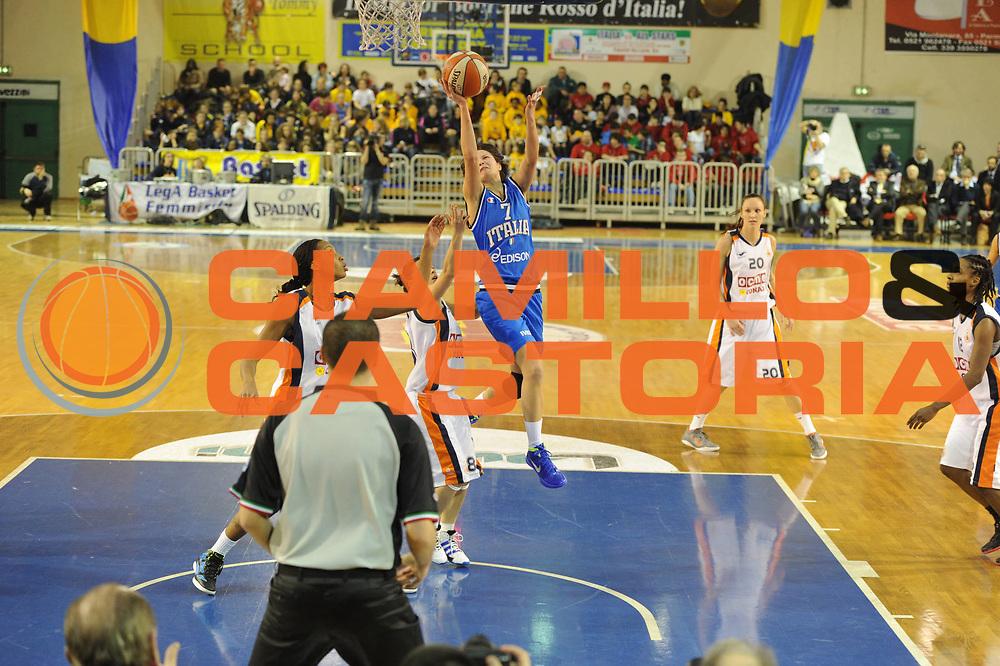 DESCRIZIONE : Parma All Star Game 2012 Donne Torneo Ocme Lega A1 Femminile 2011-12 FIP <br /> GIOCATORE : Giorgia Sottana<br /> CATEGORIA : tiro<br /> SQUADRA : Nazionale Italia Donne <br /> EVENTO : All Star Game FIP Lega A1 Femminile 2011-2012<br /> GARA : Ocme All Stars Italia<br /> DATA : 14/02/2012<br /> SPORT : Pallacanestro<br /> AUTORE : Agenzia Ciamillo-Castoria/GiulioCiamillo<br /> GALLERIA : Lega Basket Femminile 2011-2012<br /> FOTONOTIZIA : Parma All Star Game 2012 Donne Torneo Ocme Lega A1 Femminile 2011-12 FIP <br /> PREDEFINITA :