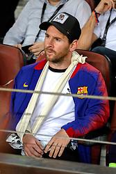 24 th, October  2018, Camp Nou, Barcelona, Spain. ..Champions League, partido entre el FC Barcelona y el FC Inter Milán...(10) Messi en la grada viendo el partido...El partido ha finalizado 2-0 con goles de (12) Rafinha y (18) Jordi Alba....© Joan Gosa 2018/Xinhua 2018. (Credit Image: © Joan Gosa/Xinhua via ZUMA Wire)