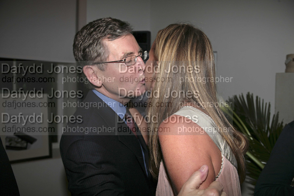 Rob Ditchfield and India Hicks , India Hicks And Crabtree & Evelyn launch new skincare range. : Hempel Hotel, 31-35 Craven Hill Gardens, London, W2, 22 November 2006. ONE TIME USE ONLY - DO NOT ARCHIVE  © Copyright Photograph by Dafydd Jones 66 Stockwell Park Rd. London SW9 0DA Tel 020 7733 0108 www.dafjones.com