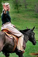 ULAANBAATAR - Prinses Maxima te paard in de bergen van Ulaanbaatar. ANP PHOTO BENELUX PRESS ROBIN UTRECHT