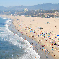 Temperatures reached into the mid 80's at Santa Monica Beach on Sunday, October 10, 2010.