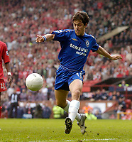 Photo: Glyn Thomas.<br />Chelsea v Liverpool. The FA Cup, Semi-Final. 22/04/2006.<br />Chelsea's Joe Cole sends a crucial late shot over the bar.