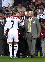 Photo: Richard Lane.<br />England v Croatia. International Friendley at Portman Road. 20/08/2003.<br />Guest of Honour, Sir Bobby Robson is greated by David Beckham.